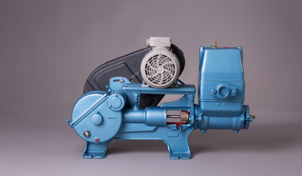 Kolbenpumpe mit Getriebe